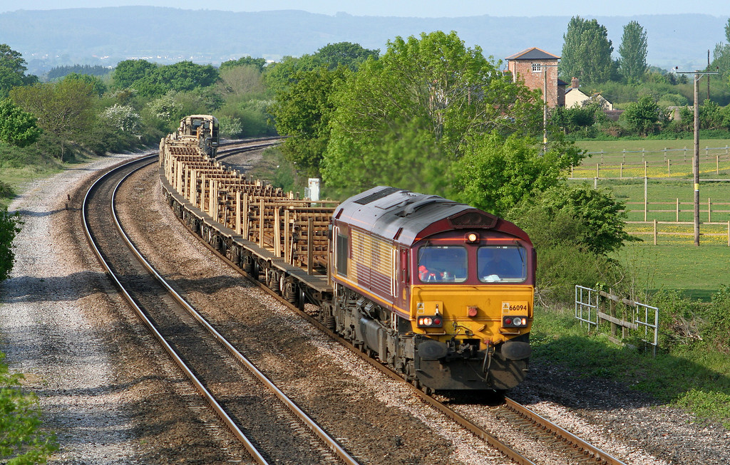 66094, 05.00 St Blazey-Westbury Yard, Cogload Junction, 30-4-07.