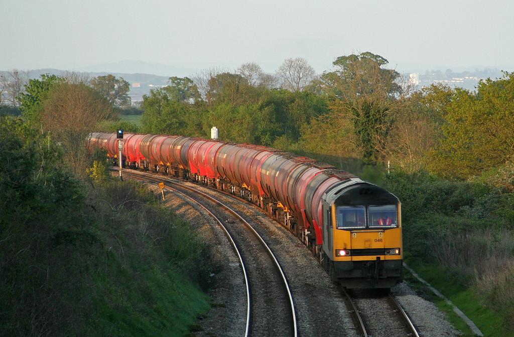 60046, 17.10 Westerleigh-Robeston, Tidenham, near Chepstow, 19-4-07.