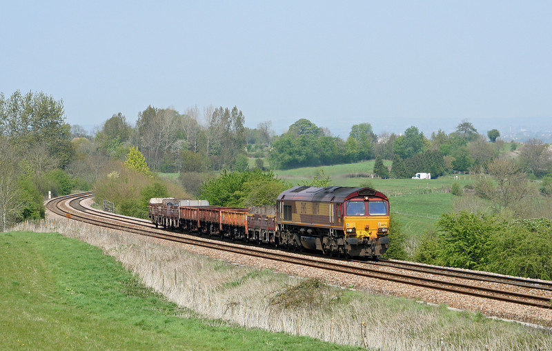 66174, Hinksey Yard-Eastleigh Yard,  Upton Scudamore, near Westbury, 21-4-07.