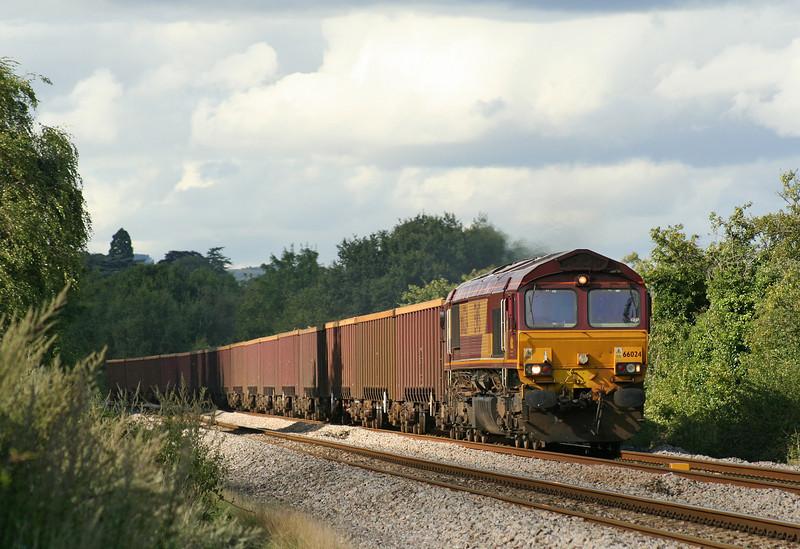 66024, 14.34 Brierley Hill-Cardiff Docks, Bullo Pill, near Newnham, Gloucestershire, 16-8-07.