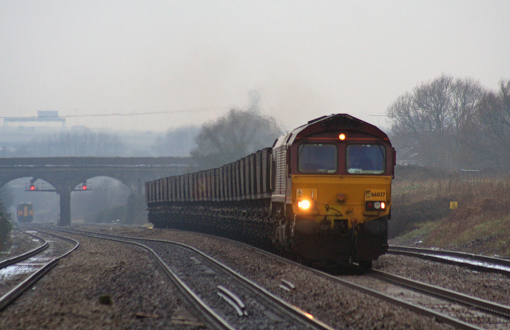 66037,  up loaded coal, Pilning, 8-2-07.