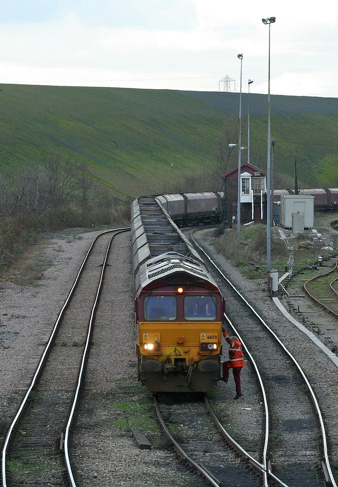 66170, stabled, Aberthaw Sidings, 27-1-07.
