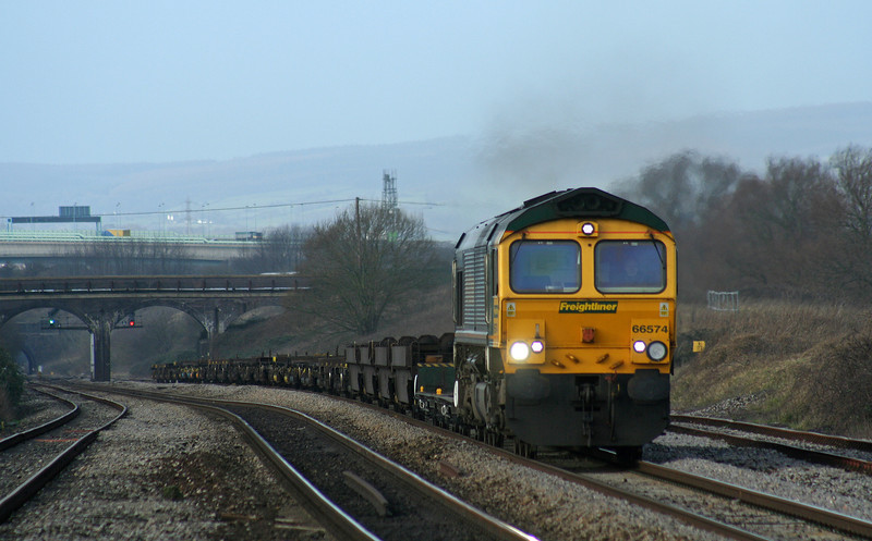66574, 10.02 Cardiff Wentloog-Southampton Millbrook,  Pilning, 2-1-07.