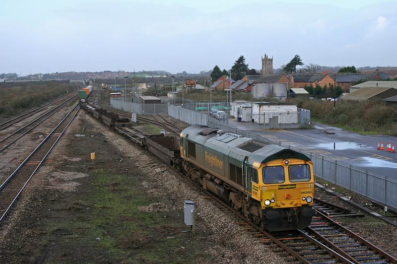 66580, 10.02 Cardiff Wentloog-Southampton Millbrook, Severn Tunnel Junction, 17-1-07.