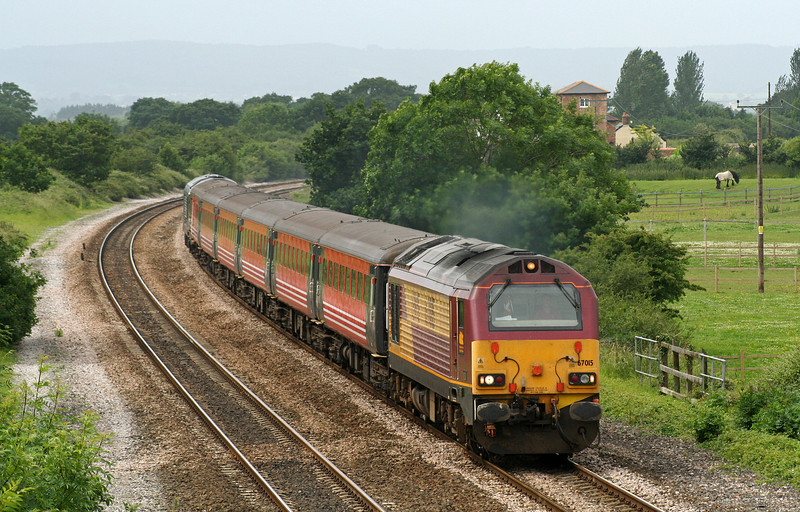 67015/67006, 11.31 Taunton-Castle Cary, Cogload Junction, 20-6-07. Glastonbury Festival special service.