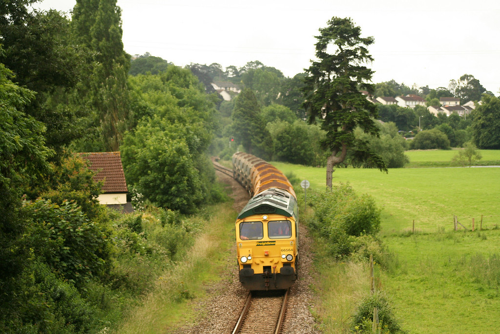 66564, 08.46 Taunton Fairwater Yard-Meldon Quarry, Cowley, near Exeter, 27-6-07.