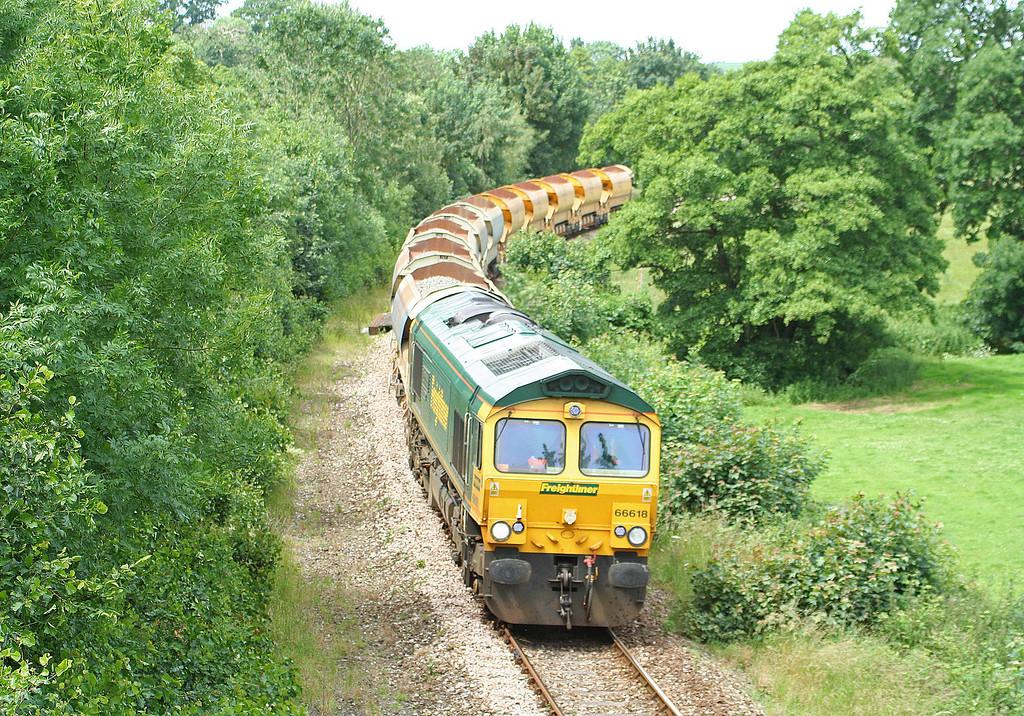 66618, 13.37 Meldon Quarry-Taunton Fairwater Yard, Langford Road, Cowley, near Exeter, 26-6-07.