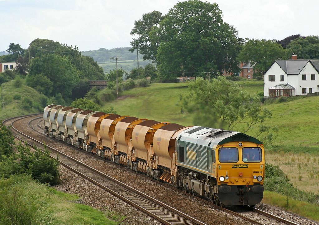 66618, 13.37 Meldon Quarry-Taunton Fairwater Yard, Rewe, near Exeter, 26-6-07.