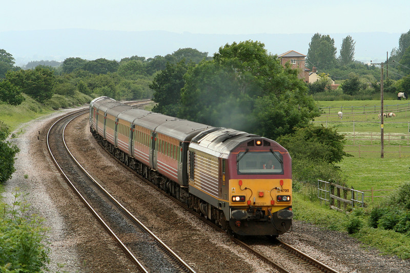 67015/67006, 13.42 Taunton-Castle Cary, Cogload Junction, 21-6-07. Glastonbury Festival special service.
