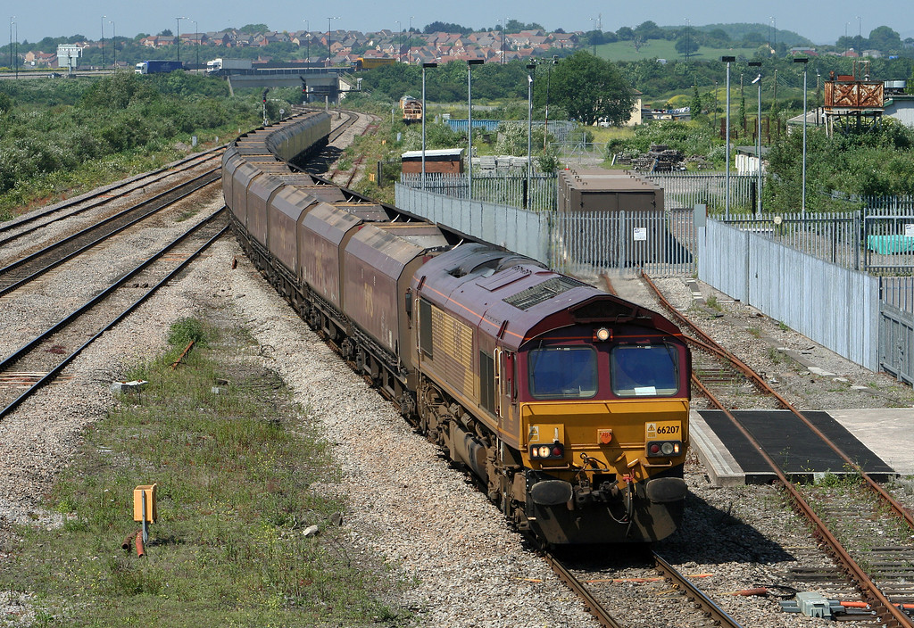 66207, up coal empties, Severn Tunnel Junction, 5-6-07.