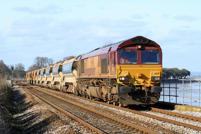 66137, Exeter Riverside Yard-Newton Abbot Hackney Yard, Powderham, near Starcross, 10-3-07.