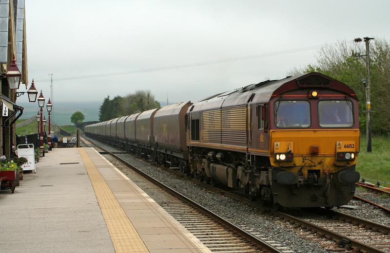 66152, 08.15 West Burton Power Station-Ayr, Ribblehead, 17-5-07.