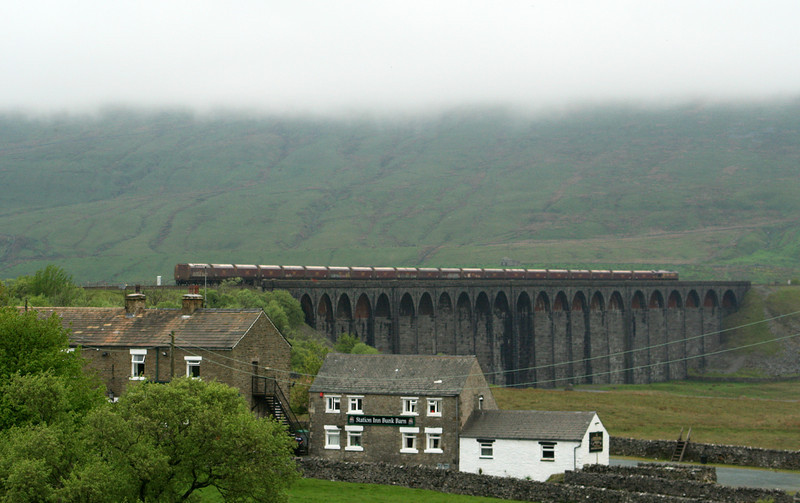 66152, 08.15 West Burton Power Station-Ayr, Ribblehead Viaduct, 17-5-07.