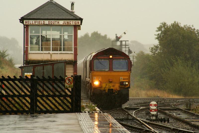 66025, 12.52 Milford Sidings-Ayr, Hellifield, 19-9-07, in S&C downpour.