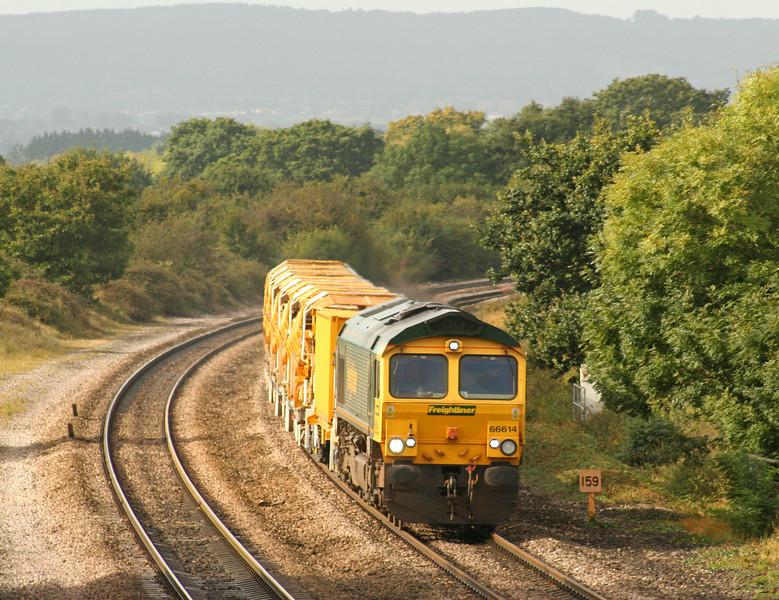 66614, 09.09 Taunton Fairwater Yard-Westbury, Cogload, 25-9-07. Via Bristol; Berks and Hants line closed.