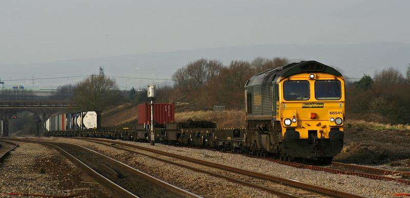 66541, 10.02 Cardiff Wentloog-Southampton Millbrook,<br /> Pilning loop, 29-1-08.