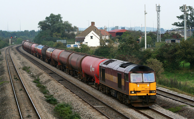 60024, 13.33 Theale-Robeston (late), Undy, near Magor, 18-9-08.