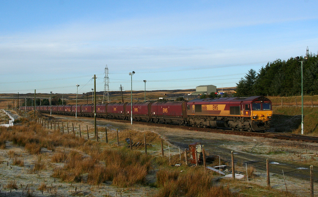66116, 10.41 Cwmbargoed Opencast Colliery-Aberthaw Power Station, awaits departure at Cwmbargoed, 29-11-08.