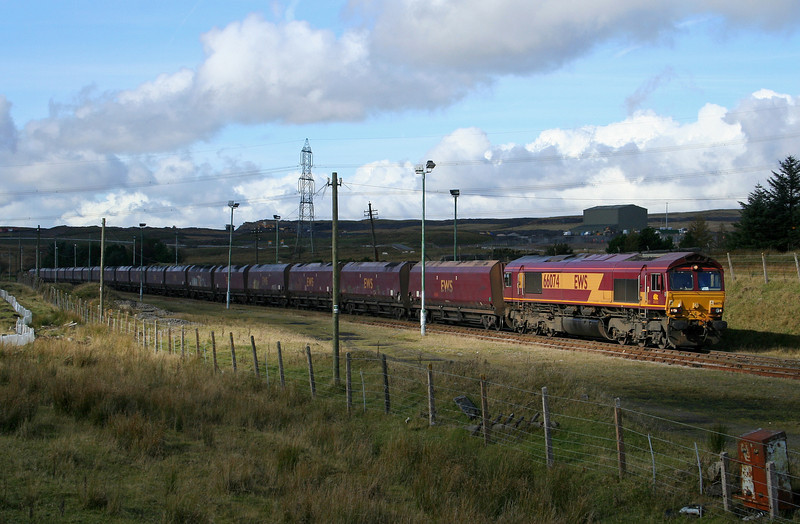 66074, 14.00 Cwmbargoed Opencast Colliery-Aberthaw Power Station, awaiting departure, Cwmbargoed, 17-10-08.