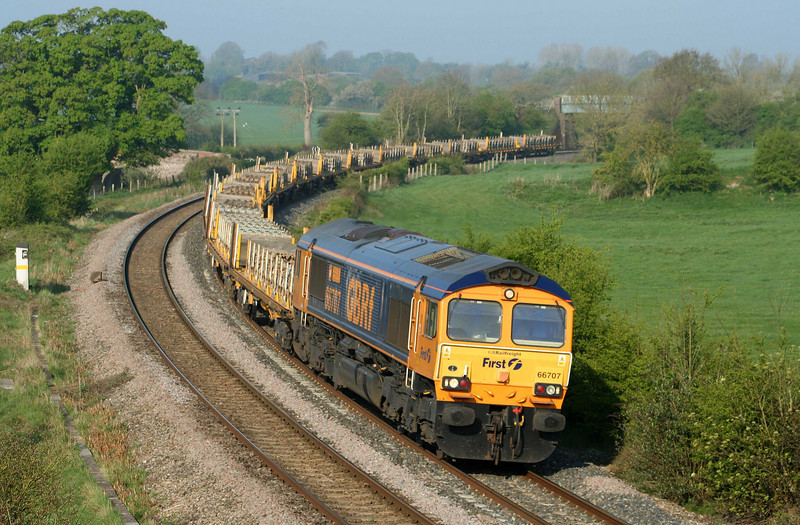 66707, 06.25 Taunton Fairwater Yard-Whitemoor Yard, Cambridgeshire, Crofton, 21-4-09.