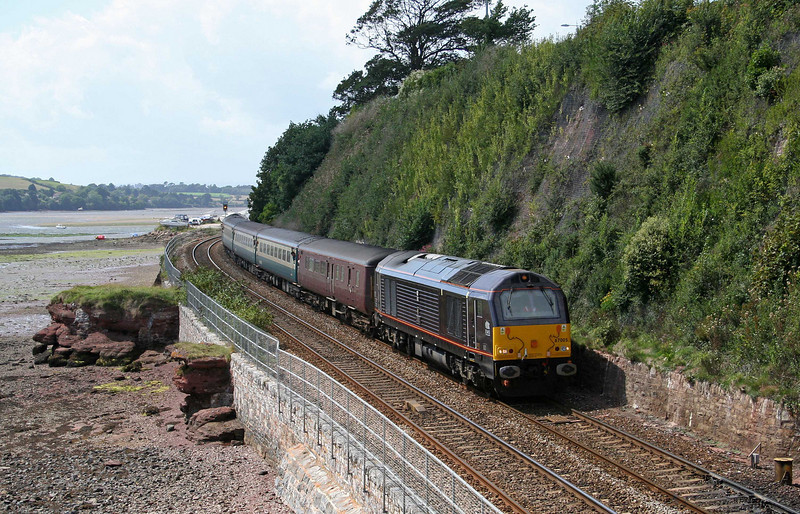 67005/67025, 14.05 Newton Abbot-Exeter St David's, Shaldon Bridge, Teignmouth, 20-8-09. Dawlish Air Day shuttle.
