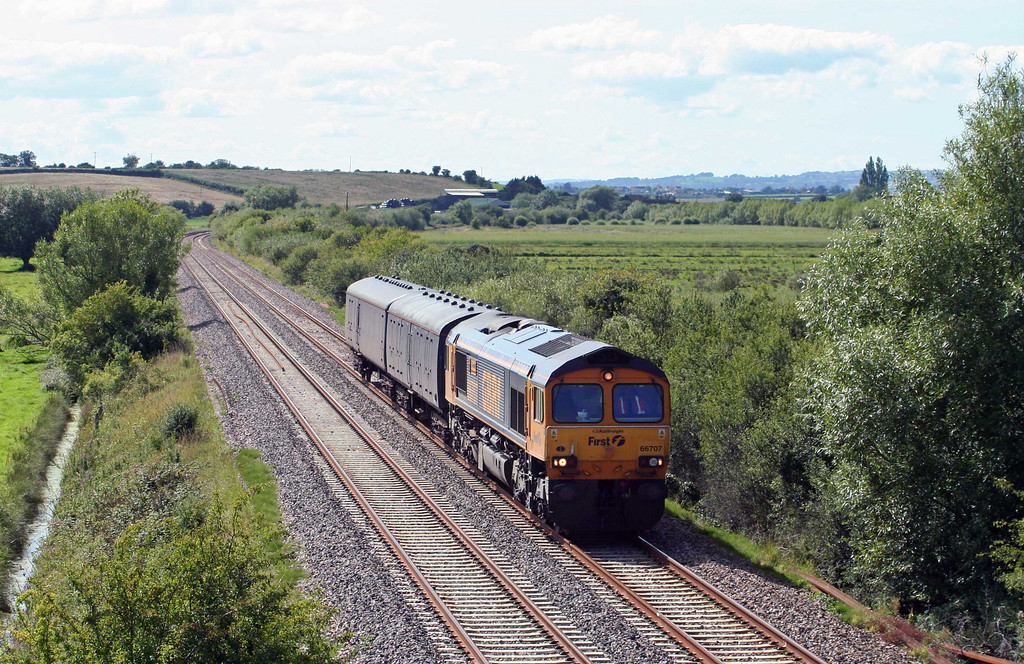 66707, 13.05 Plymouth Laira carriage sidings-Old Oak Common, Wick, near Langport, 7-8-09.