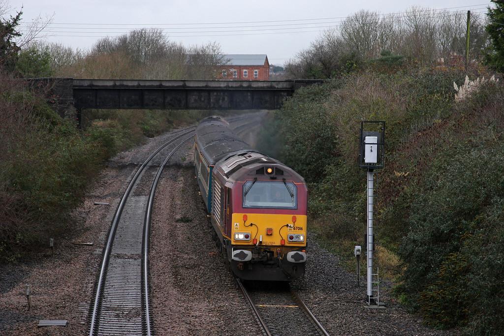 67016/67022, 11.02 Taunton-Cardiff Central, Creech St Michael, near Taunton, 2-12-09.