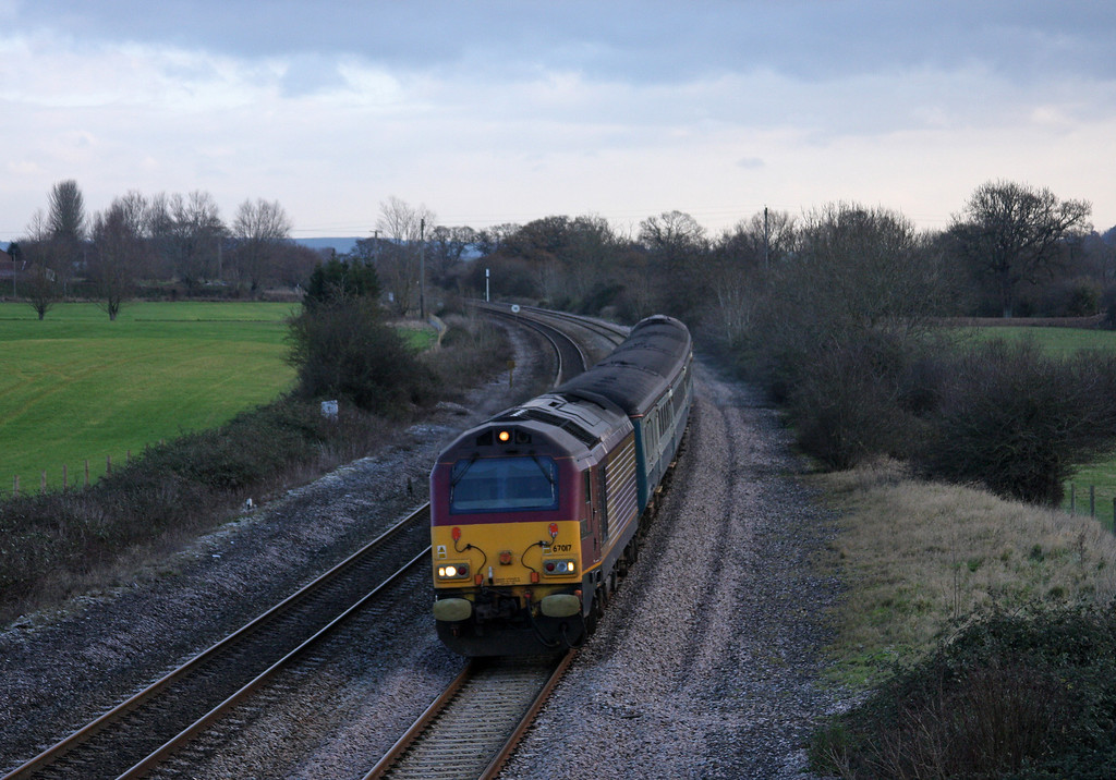67017/67016, 08.00 Cardiff Central-Paignton, Creech St Michael, near Taunton, 18-12-09.