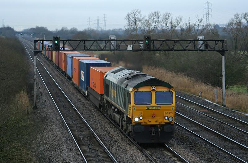 66571, 10.00 Cardiff Wentloog-Southampton, Coedkernow, near Newport, 11-2-09.