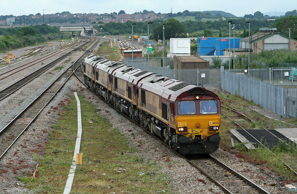 66120/66201/66067/66175, up light, Severn Tunnel Junction,10-7-09.