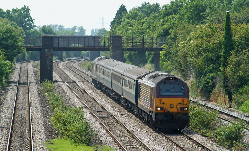 67016/67017, 14.00 Cardiff Central-Taunton, Undy, near Magor, 25-6-09.