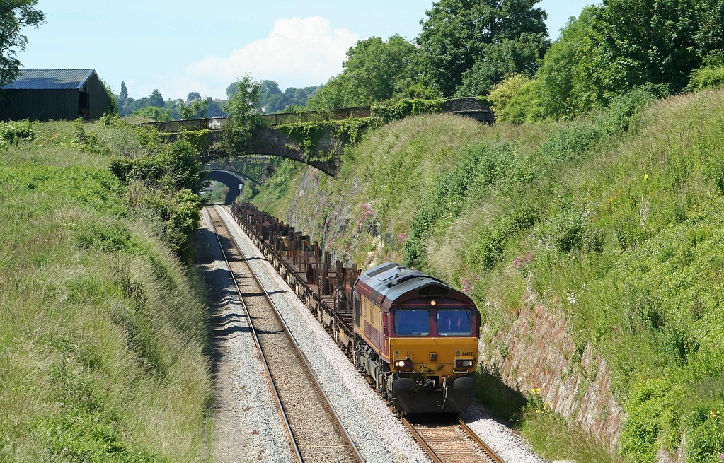 66182, 08.54 Margam-Lackenby, Sedbury Lane, Chepstow, 16-6-09.