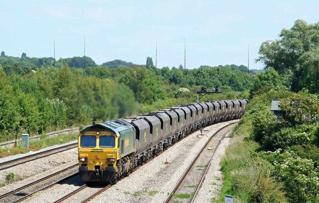 66523, 11.26 Avonmouth Bulk Handling Terminal-Rugeley Power Station, Undy, near Magor,16-6-09.
