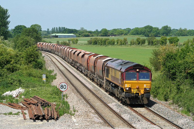66068, 10.37 Whatley Quarry-London St Pancras, Crofton, 3-6-09.