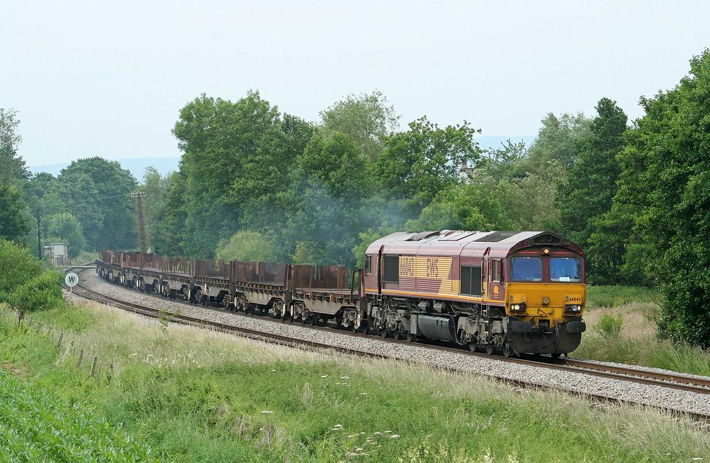 66043, 08.54 Margam-Lackenby, Cliff Farm, Lydney, 25-6-09.