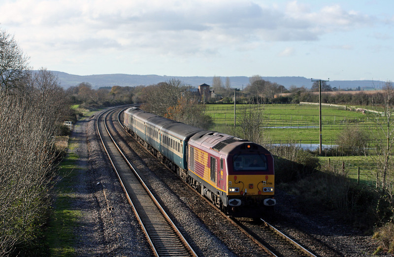 67016/67022, 11.02 Taunton-Cardiff Central, Cogload Junction, 30-11-09.