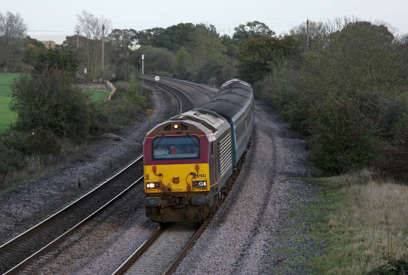 67022/67, 14.00 Cardiff-Taunton,  Creech St Michael, near Taunton, 3-11-09.