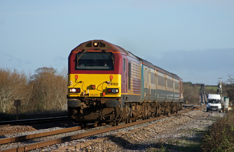 67022/67016, 10.09 Weston-super-Mare-Taunton ecs, Cogload Junction, 30-11-09.
