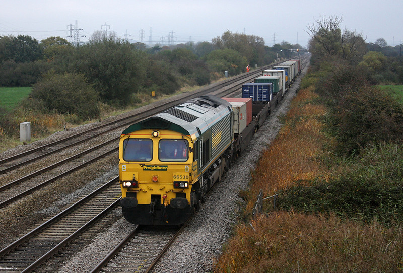 66530, 04.28 Southampton-Cardiff Wentloog (late), Coedkernow, near Newport, 27-10-09.