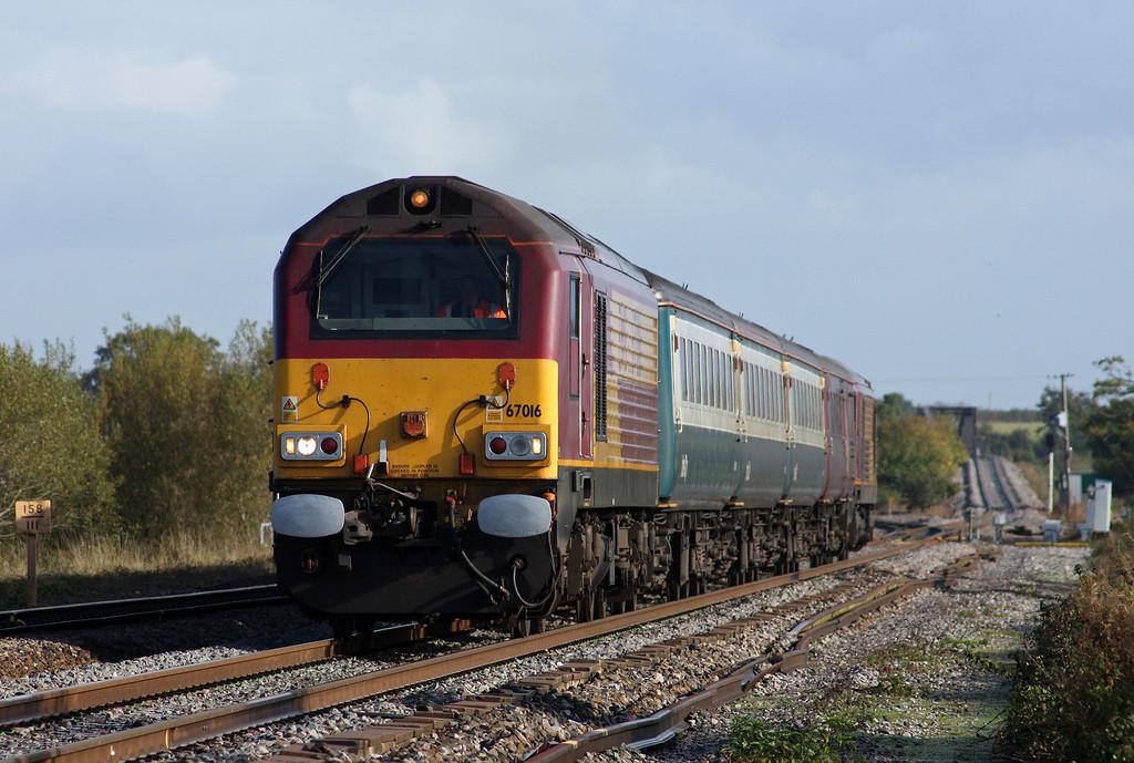 67016/67017, 10.10 Weston-super-Mare-Taunton ecs, Cogload 21-10-09.