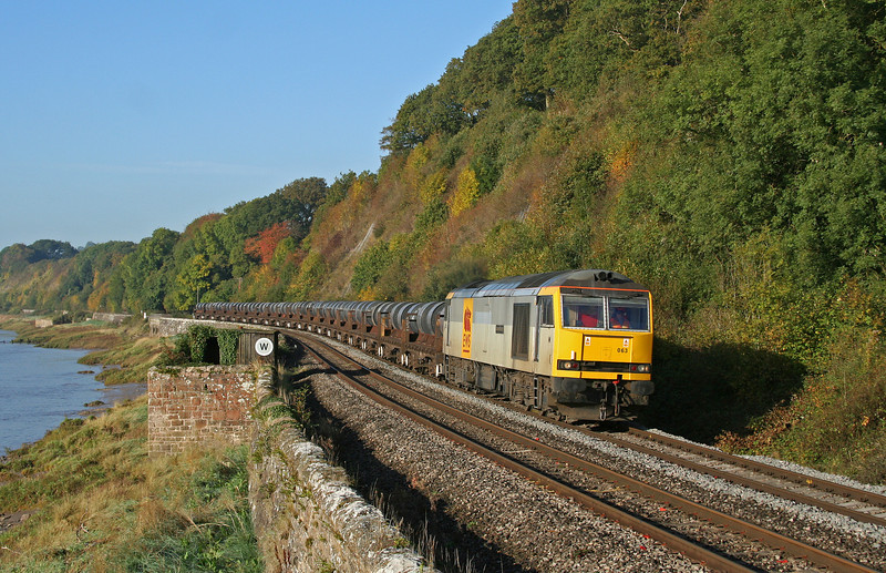 60063, 06.22 Margam-Corby, Gatcombe, near Lydney, 8-10-09.