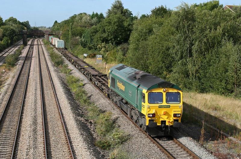 66502, 10.00 Cardiff Wentloog-Southampton Millbrook, Undy, near Magor, 17-9-09.