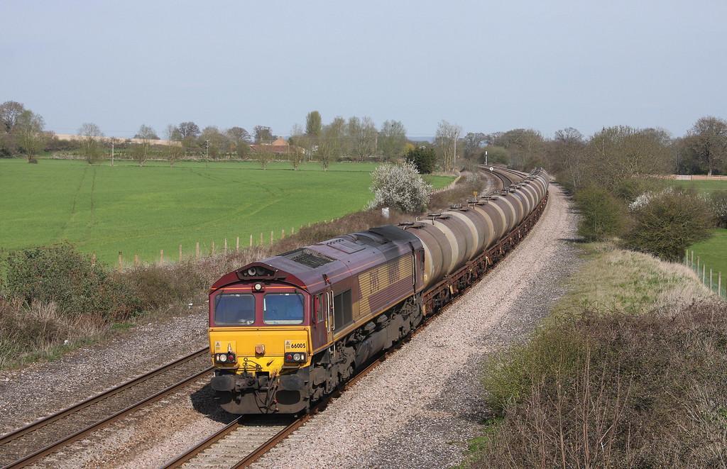 66005, 08.48 Fawley-Plymouth Tavistock Junction Yard, Creech St Michael, near Taunton, 13-4-10.