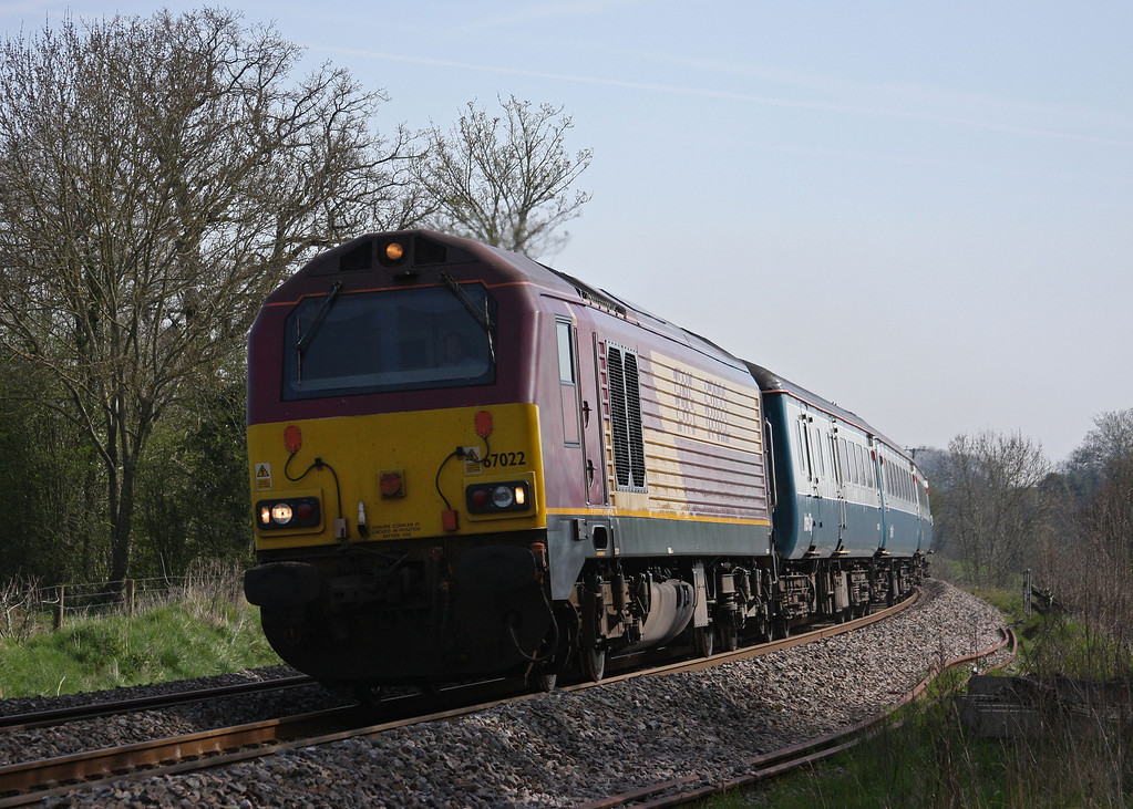 67022/67017, 08.00 Cardiff Central-Paignton, Marlands, near Wellington, 22-4-10.
