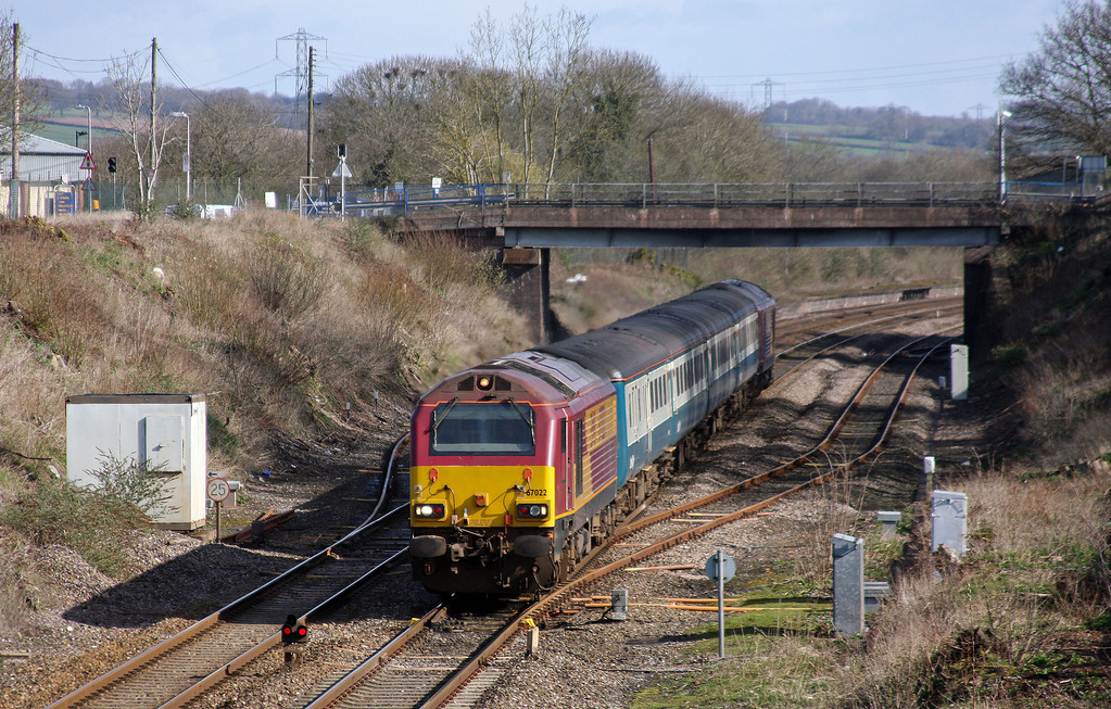 67022/67017, 08.00 Cardiff Central-Paignton, Willand, near Tiverton, 1-4-10.