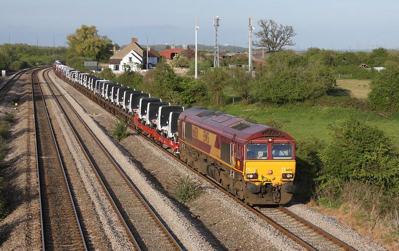 66031, 17.33 Portbury-Mossend, Undy, near Magor, 27-4-10.