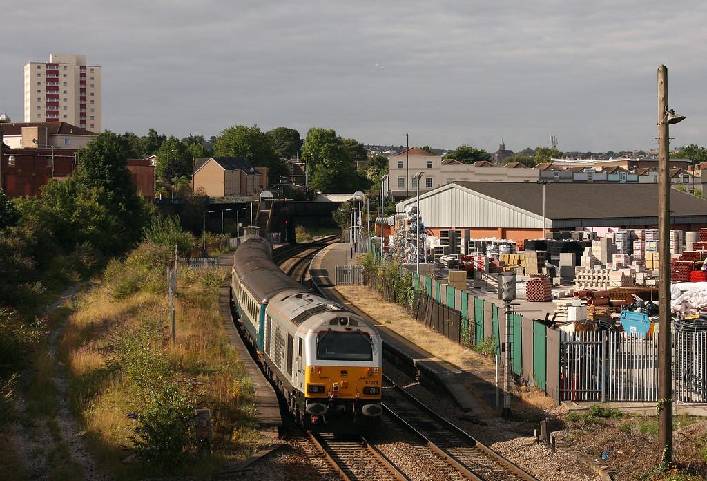 67017/67029, 08.00 Cardiff Central-Paignton, Lawrence Hill, Bristol, 5-8-10.
