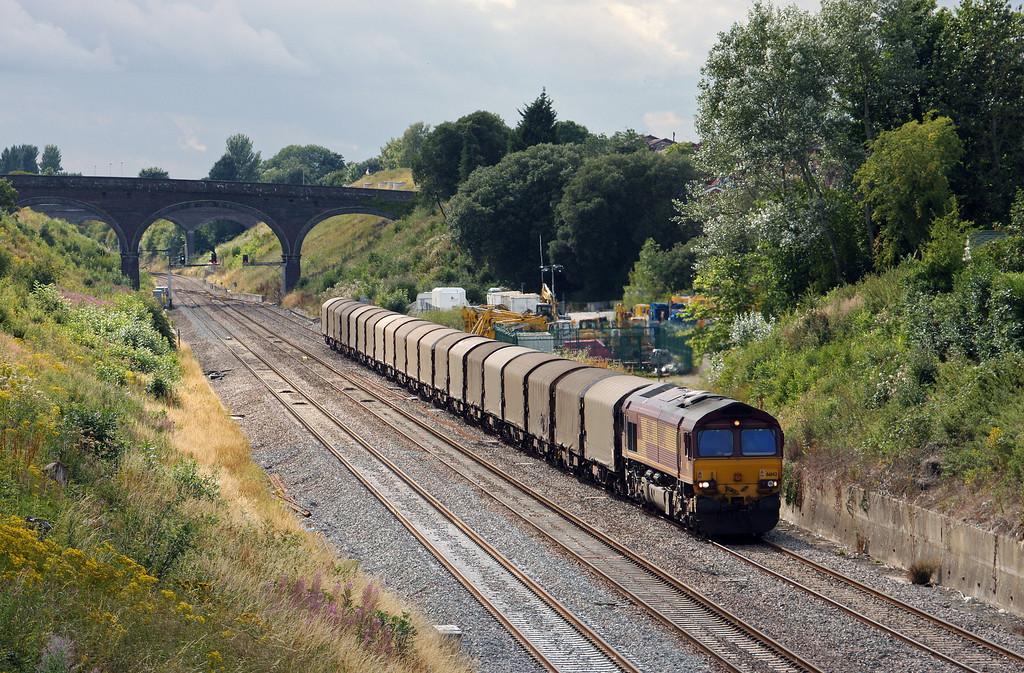 66142, 13.21 Margam-Dollands Moor, enters Chipping Sodbury loop, 5-8-10.
