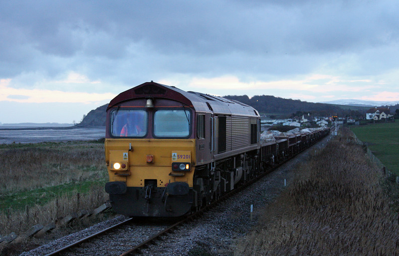 59201, 05.15 Westbury Yard-Minehead, Blue Anchor beach, 1-12-10