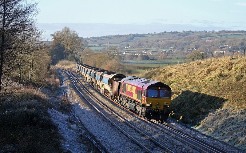 66117, 02.00 Truro Penwithers Junction-Westbury Yard, Whiteball, 9-12-10.